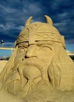 Голова из песка.