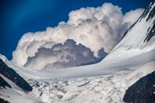Край облаков и снега