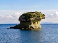 Фунгус - островок вулканического происхождения