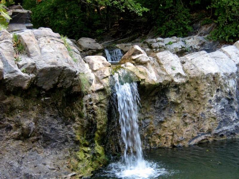 Фото водопада чаша любви под геленджиком