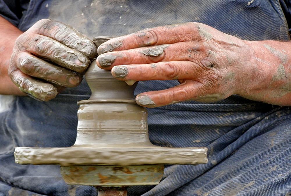 Картинки золотые руки человека