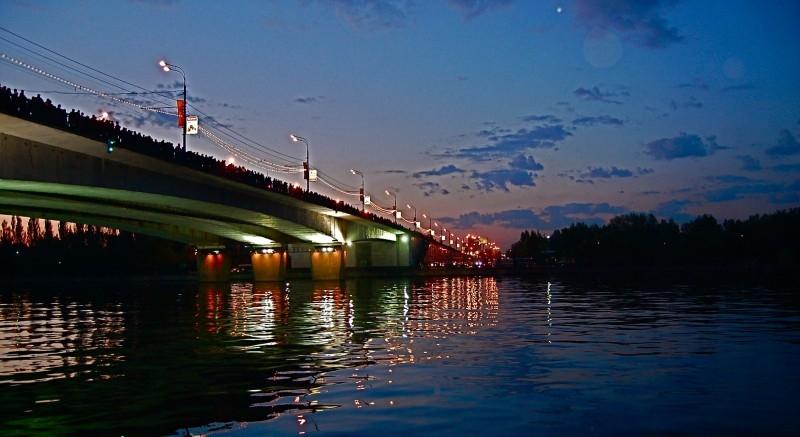Мост из людей