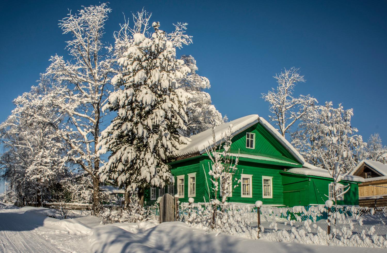 Домики в деревне зимой картинки