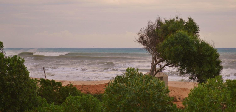 Море штормит.