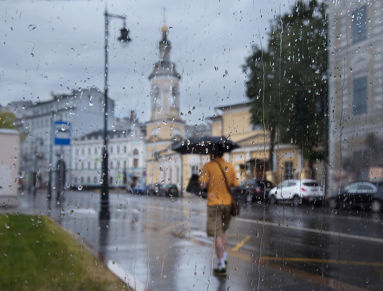 По Солянке под летним дождём