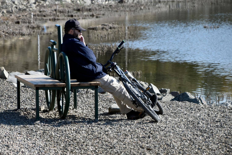 скамейка для велосипедистов
