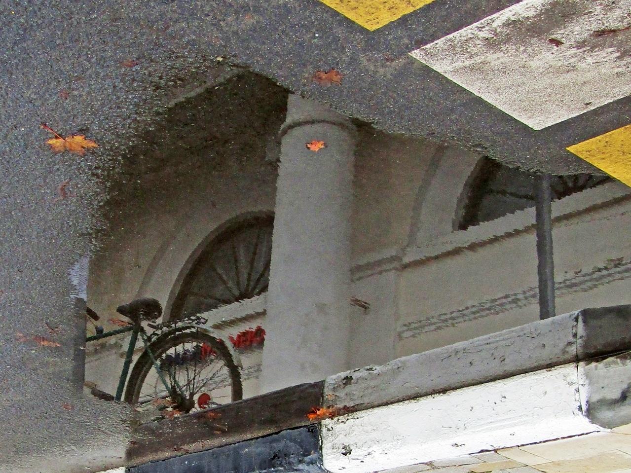 Про колонну, велосипед и осень...