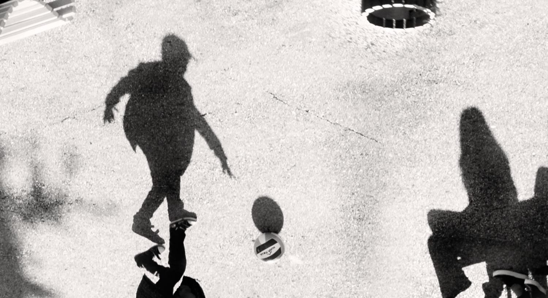 Танцы, тени и мяч