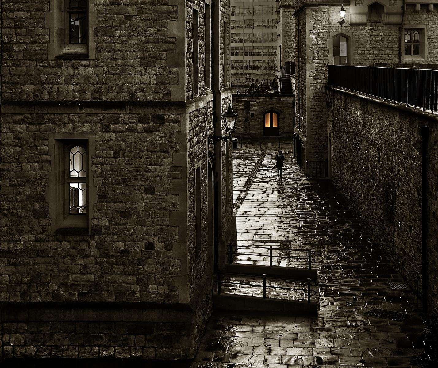 Однажды в старом замке...