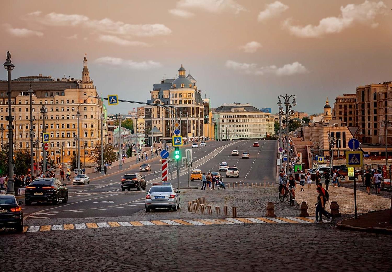 по дорогам Москвы