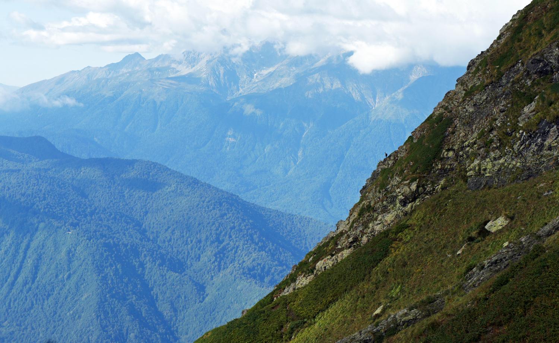 Жил-был маленький козлёнок высоко в горах
