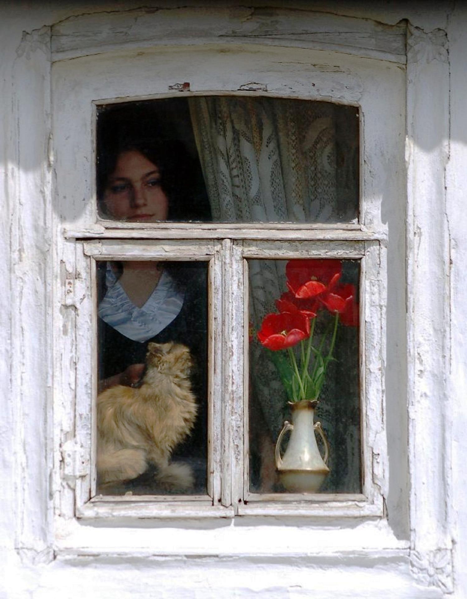 Ах, эта женщина в окне.