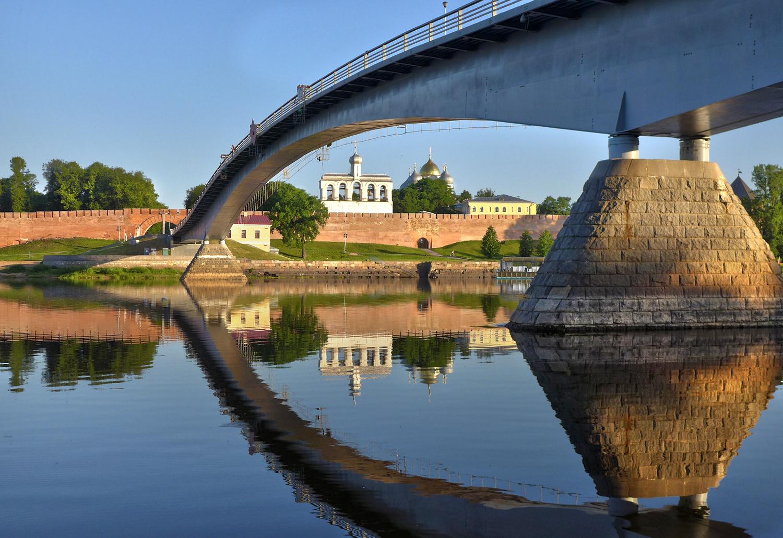 Я пройду под мостом, где уснула вода
