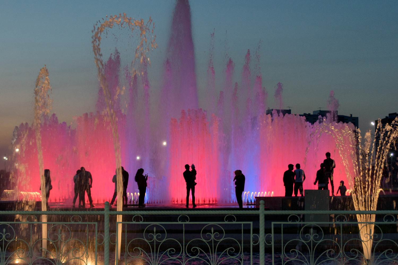 Встречи у фонтана.