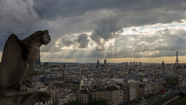 В Париже всё спокойно