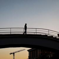 ...по мосту между двух светил