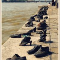 Бронзовая обувь. Будапешт