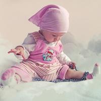 Малышка в облаках