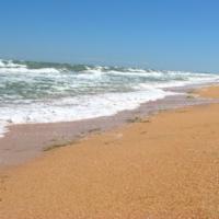 Солнце, море, лето, пляж.
