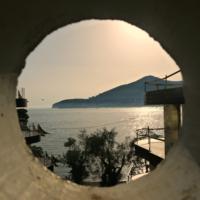 Маленькая дырочка в туннеле
