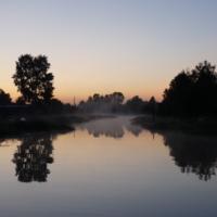зеркальная река