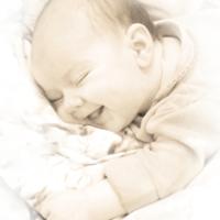 Счастье спит в кроватке
