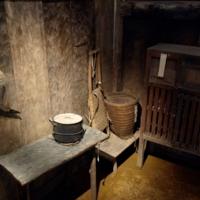 В старом сарае