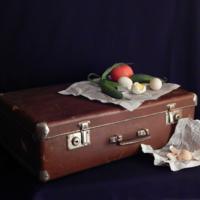 Обед на чемодане