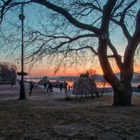 Весенний закат над Невой