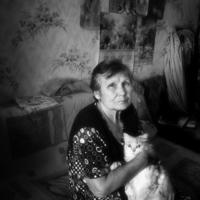 Портрет с кошкой
