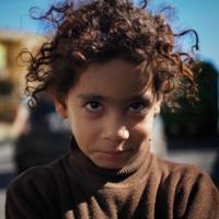 Застенчивая иорданская девочка