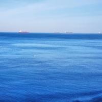 Шли танкеры по морю...