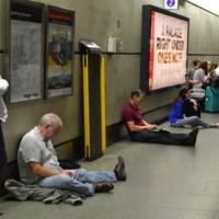 Скука в Лондонском метро