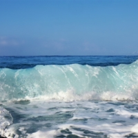 Волна играет..