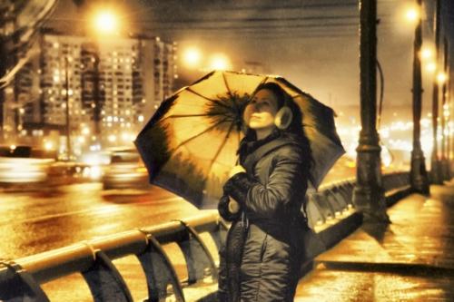 Яркий дождь
