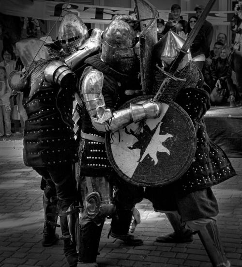 И щит и меч
